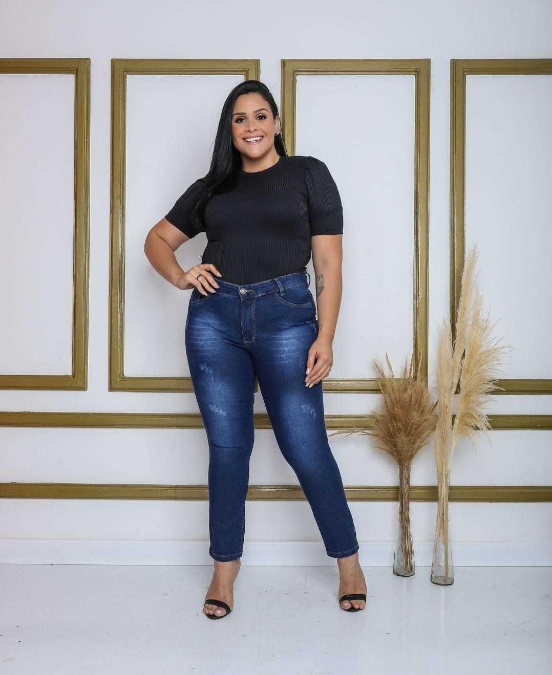 Calça Jeans Com Detalhe Bigode Plus Size Infinity Brasil