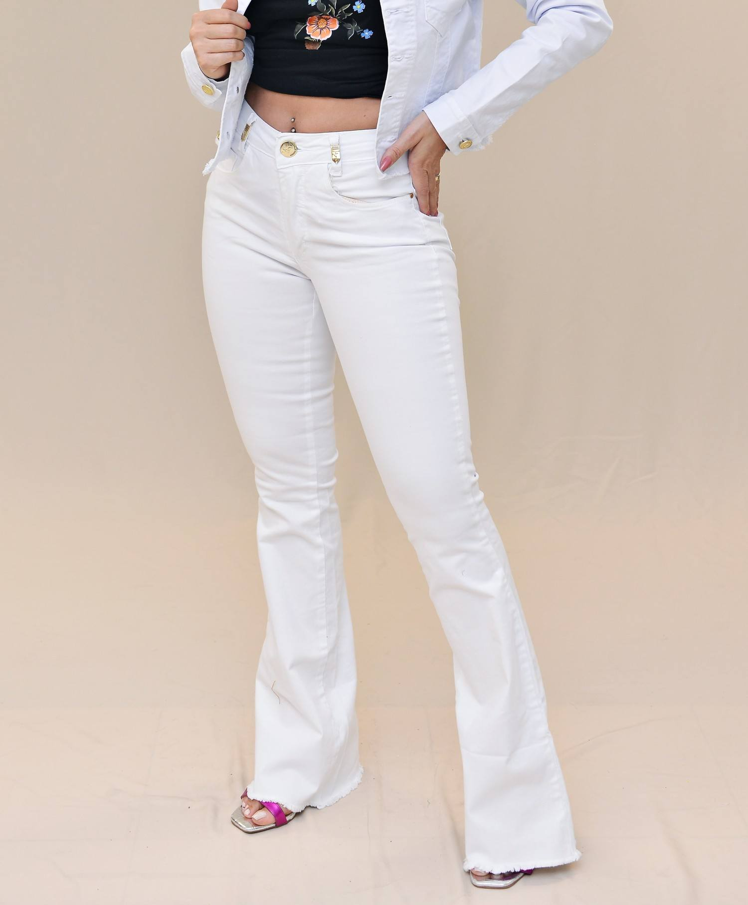 Calça Jeans Flare Branca Nathalie Ferrier