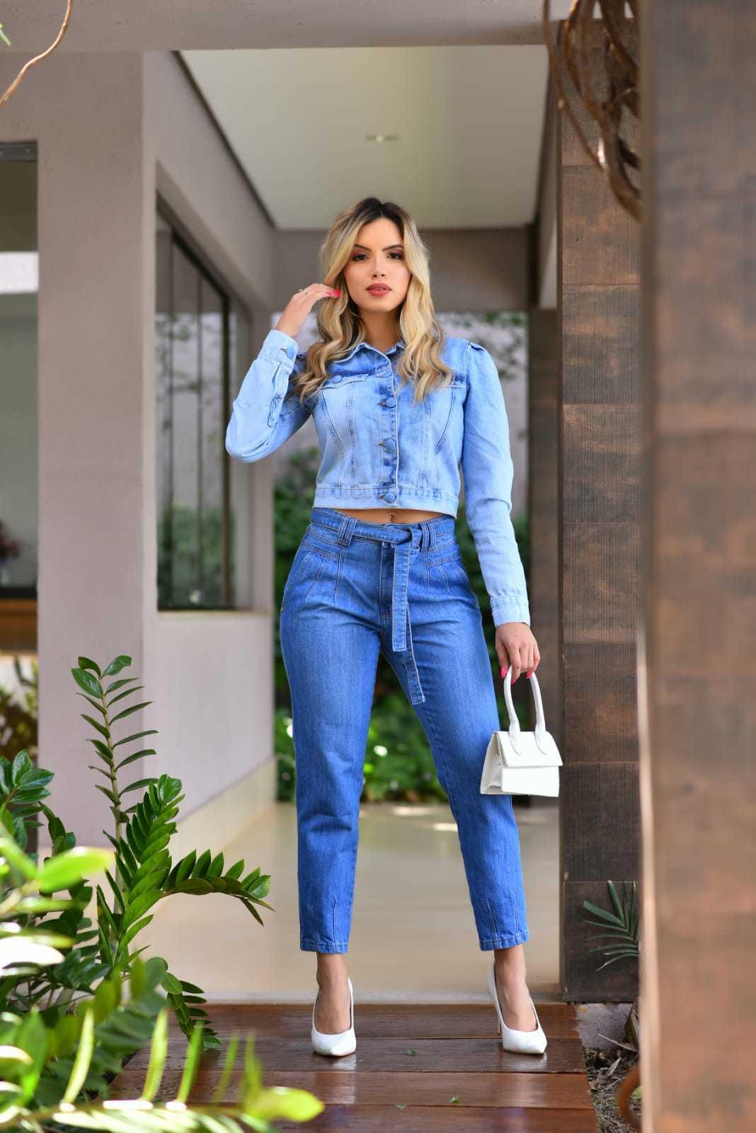 Calça Mom Jeans Claro Cinto Amarração Omni Vinci