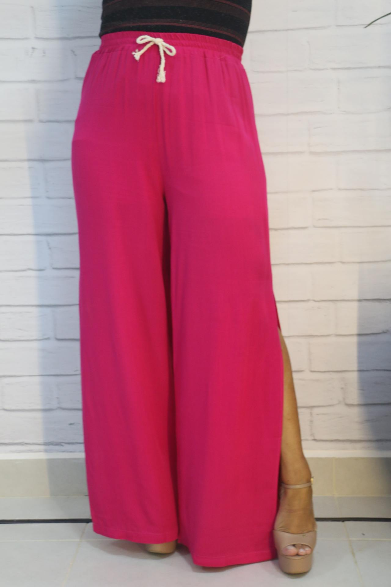 Calça Pantalona Viscose Com Detalhe em Cordinha e Elástico na Cintura Empodere-se