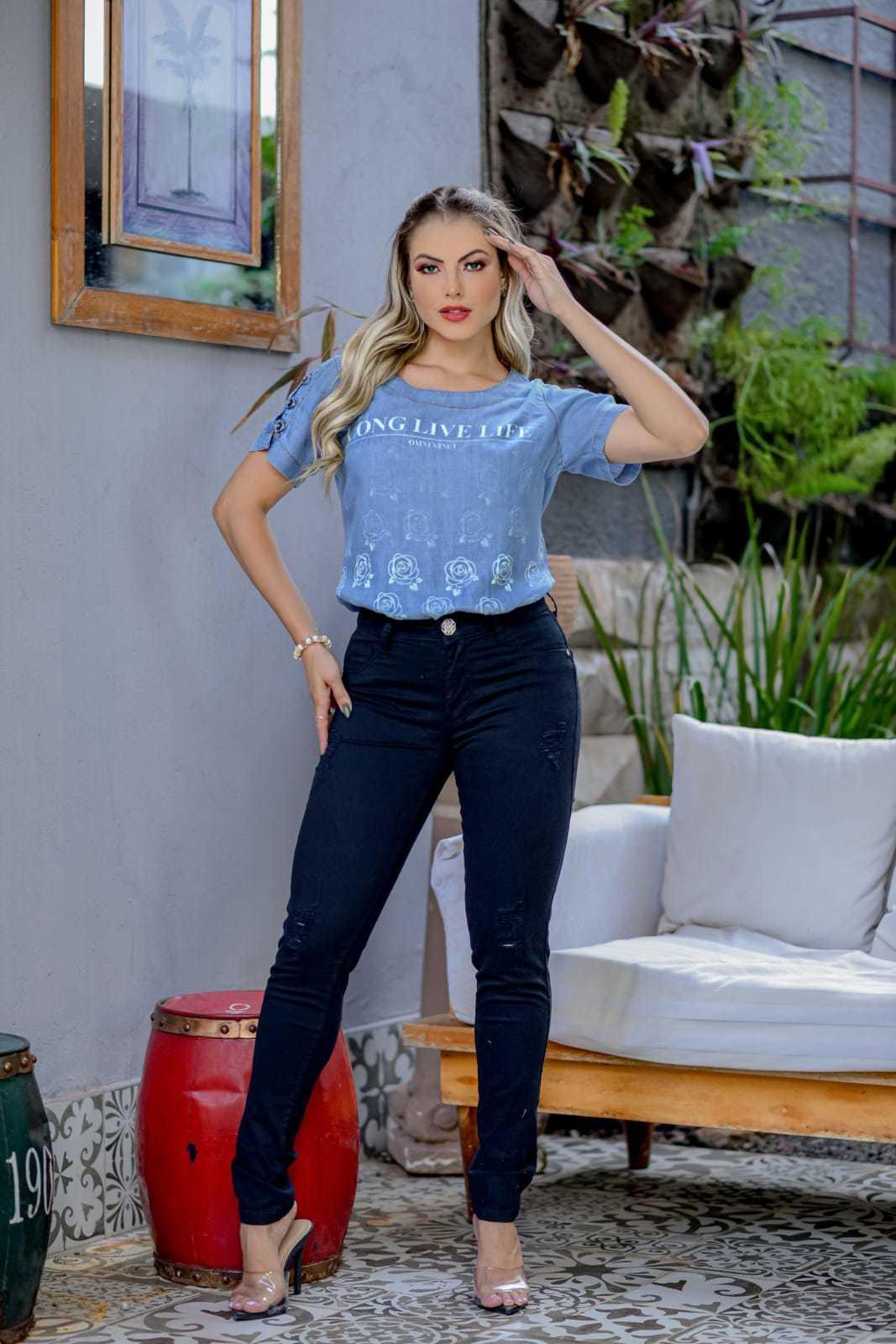 Calça Skinny Básica Preta com Elastano Omni Vinci