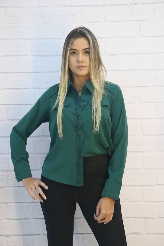 Camisa Crepe  Manga Longa com Botões e Bolso Falso Gabryella.com