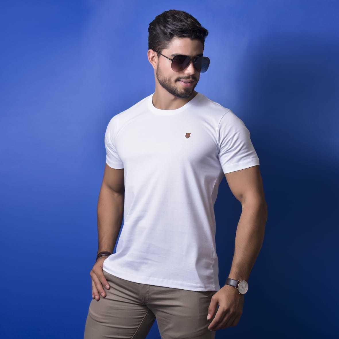 Camiseta básica - burguês
