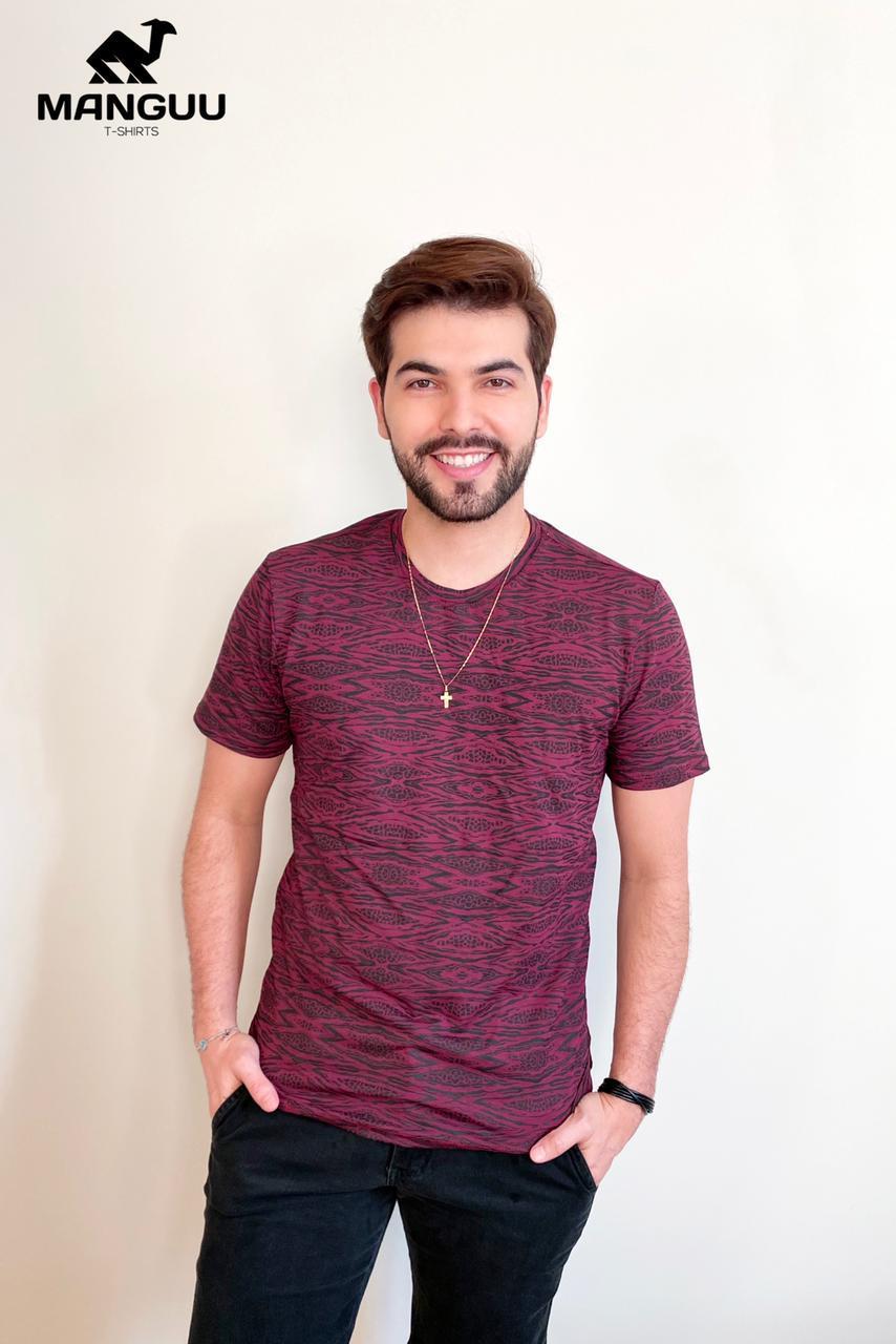 Camiseta Gola 'O' Manguu T-shirts