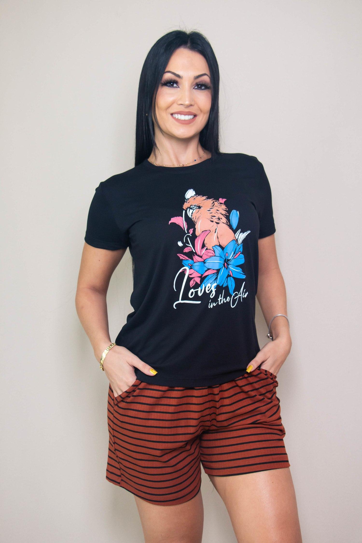 Conjunto Pijama Blusa Preta Manga Curta e Short Marrom Maria Rosê