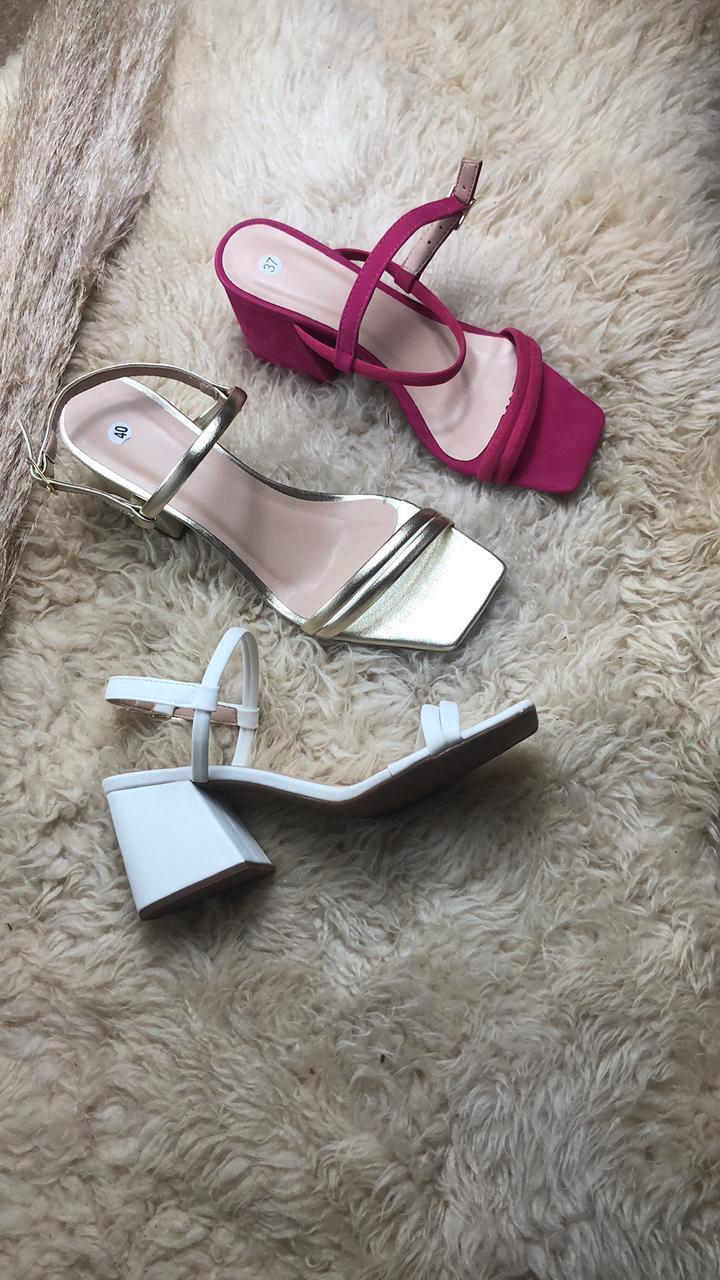 Sandália Salto 7 cm - Ariale Calçados