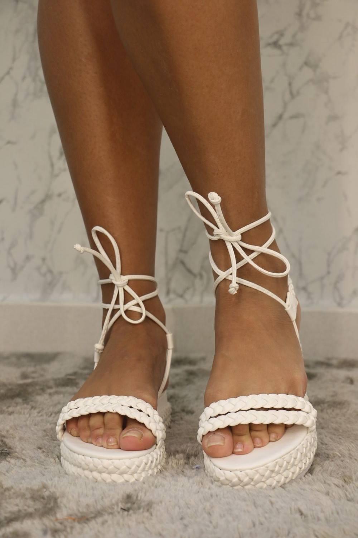 Sandália Flat Branca Bella Lima Shoes