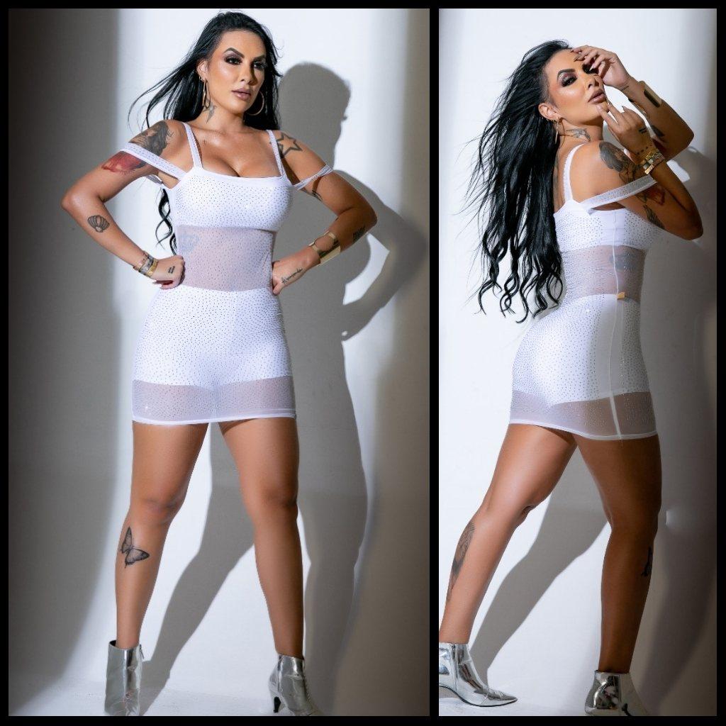 Vestido com aplicação - Victorin Moda feminina