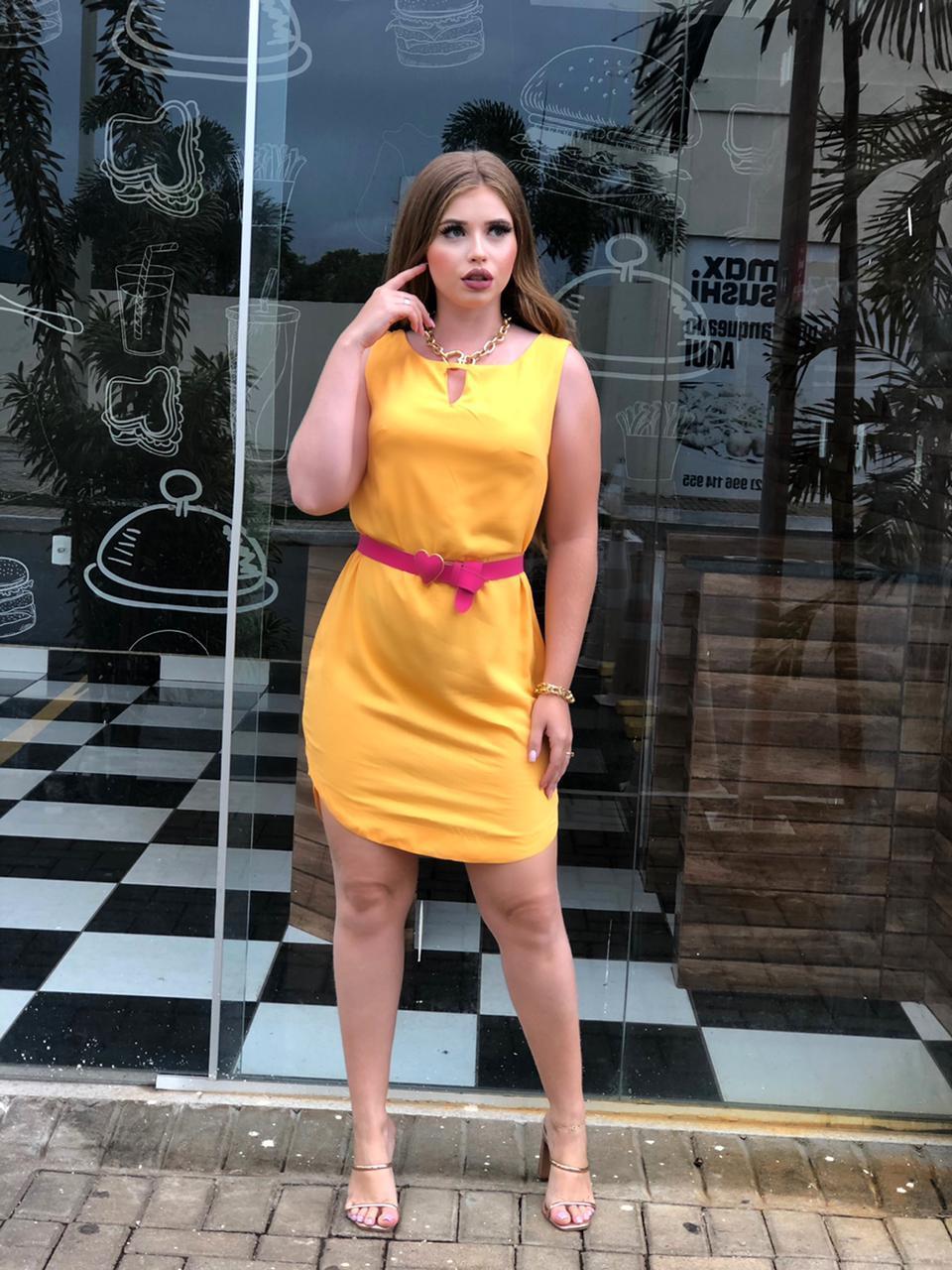 Vestido curto cavado Amarelo - BOO