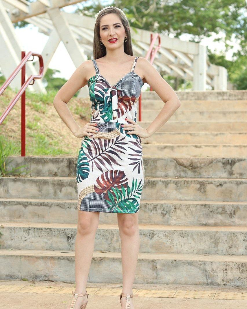 Vestido com Decote V e Alça Fina Suplex Hannah Modas
