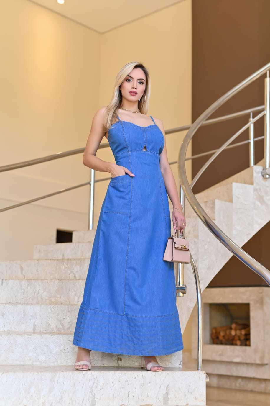 Vestido Longo Jeans Claro Recorte Vazado e Costura Prespontada Omni Vinci