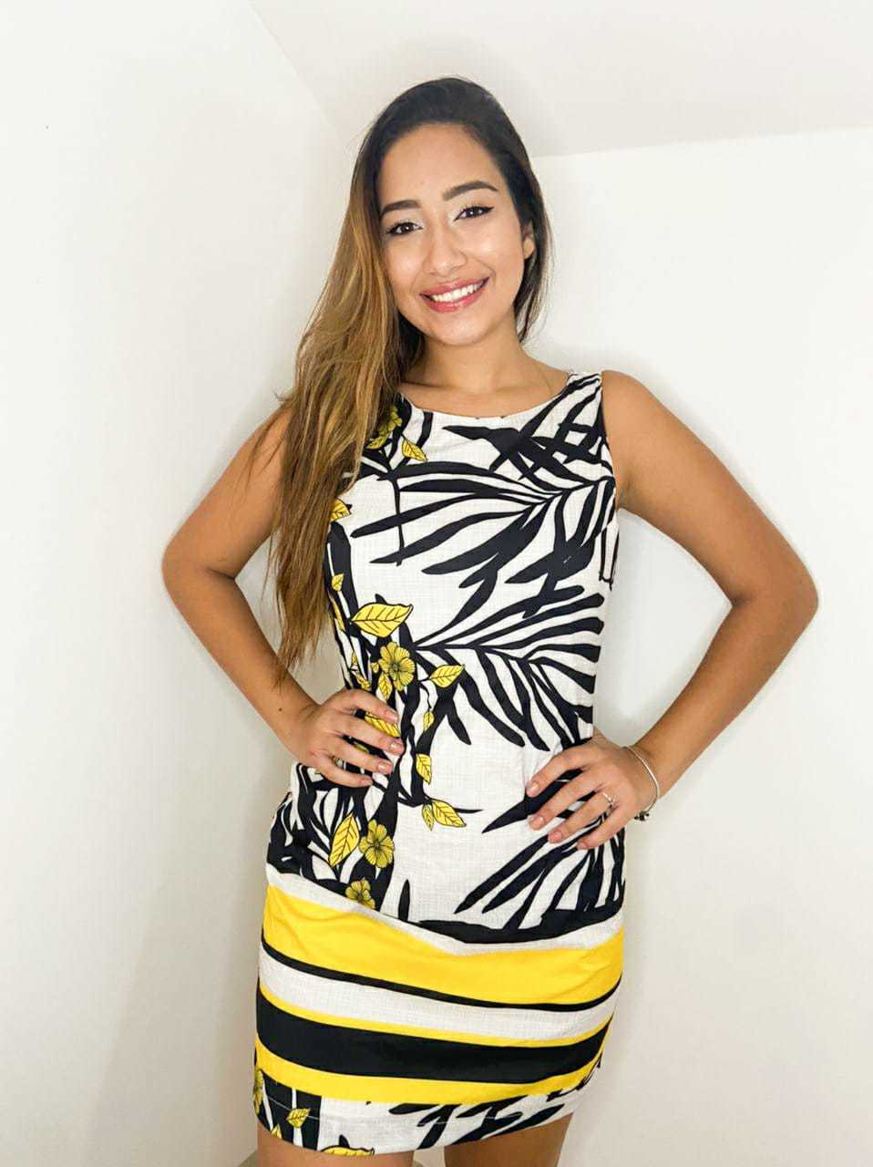 Vestido Curto Modelo Regata Sedinha Gabriela Mendes