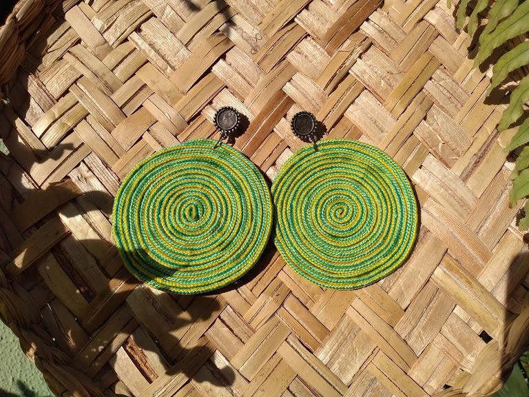 Brinco de corda artesanal
