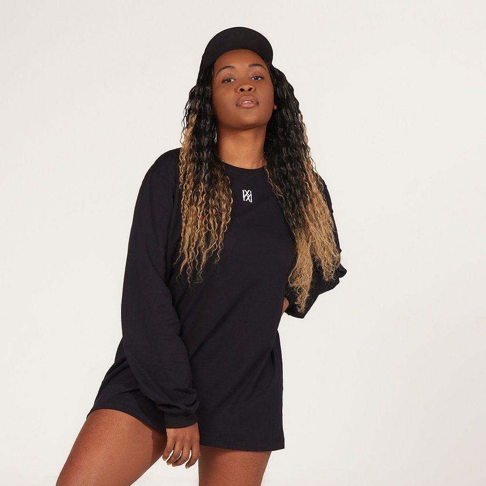 Camiseta KRANT manga longa na cor preta.