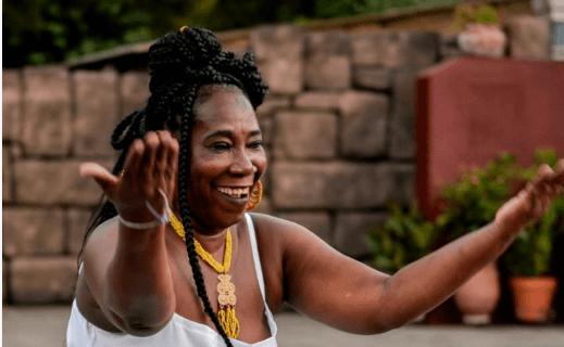 Dança Afro ,Alongamento e  Expressão corporal Movimento