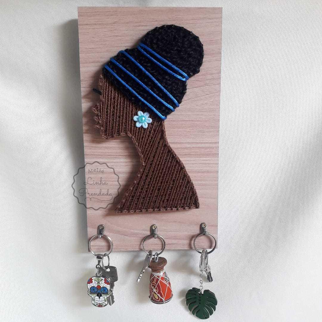 Porta chaves  crespo com acessório azul
