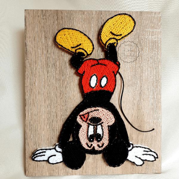 Quadro decorativo Mickey Mouse em string