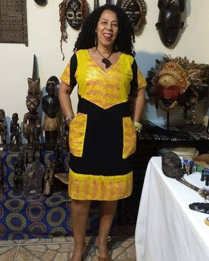 Vestido com detalhes em tecido africano luxo