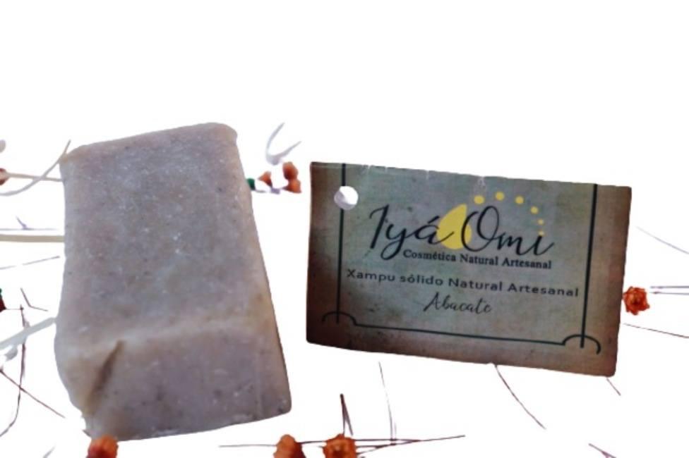 Xampu Sólido Natural Artesanal de ABACATE - IYÁ OMI - 115g