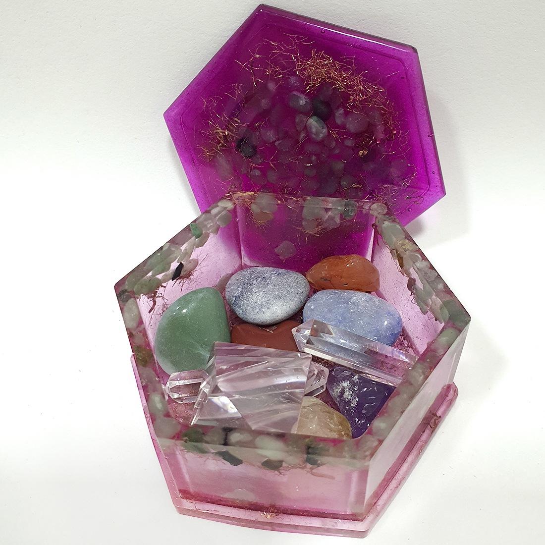 Caixa de Orgonite - Quartzo Rosa para Limpeza