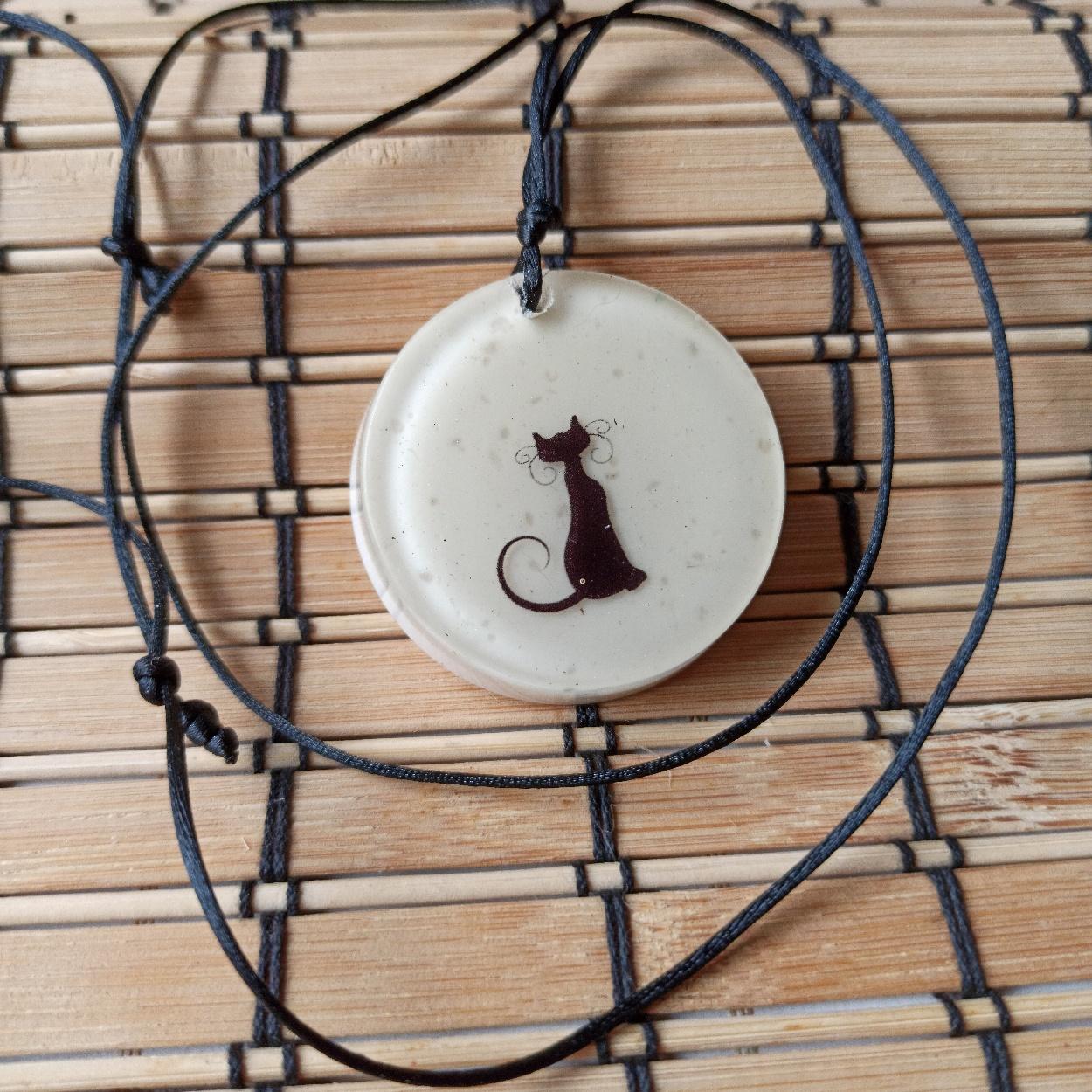 Colar Amuleto de Orgonite - Gato Pequeno