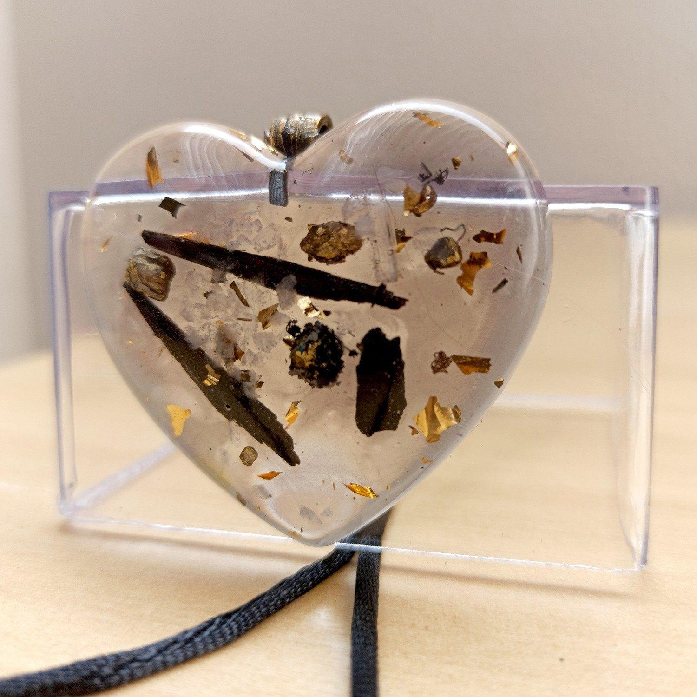 Colar de Orgonite - Coração com Turmalina Negra