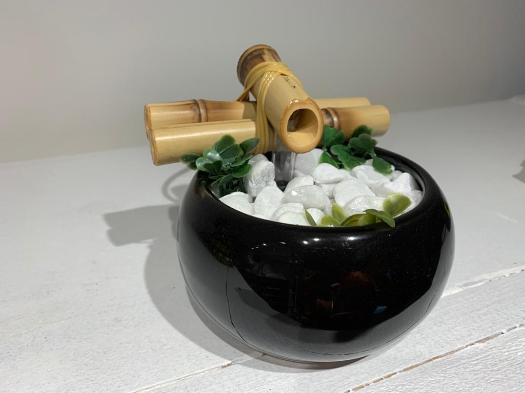 Fonte de água bojuda - preto