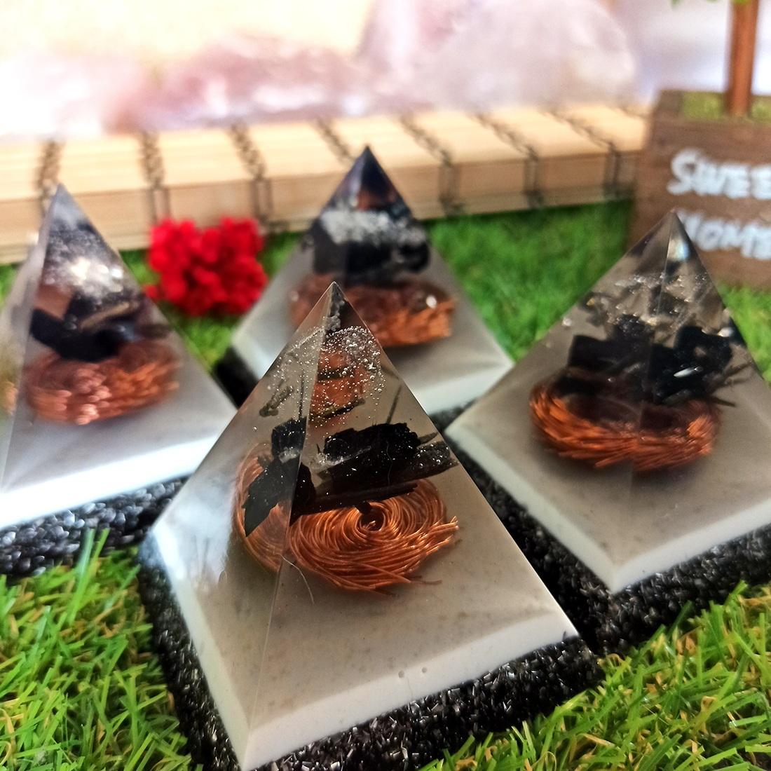 Pirâmide de Orgonite - Proteção