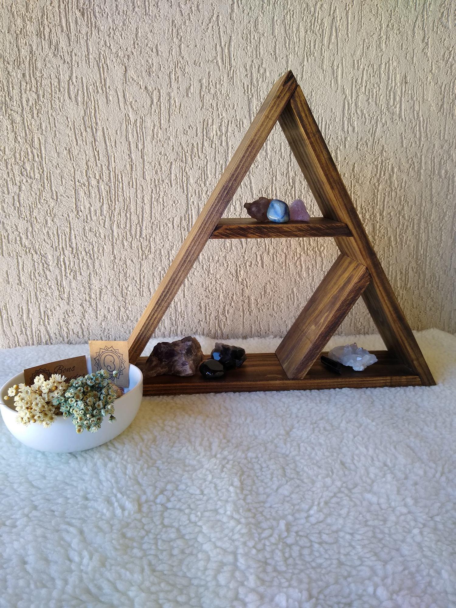 Triângulo Decorativo de Madeira