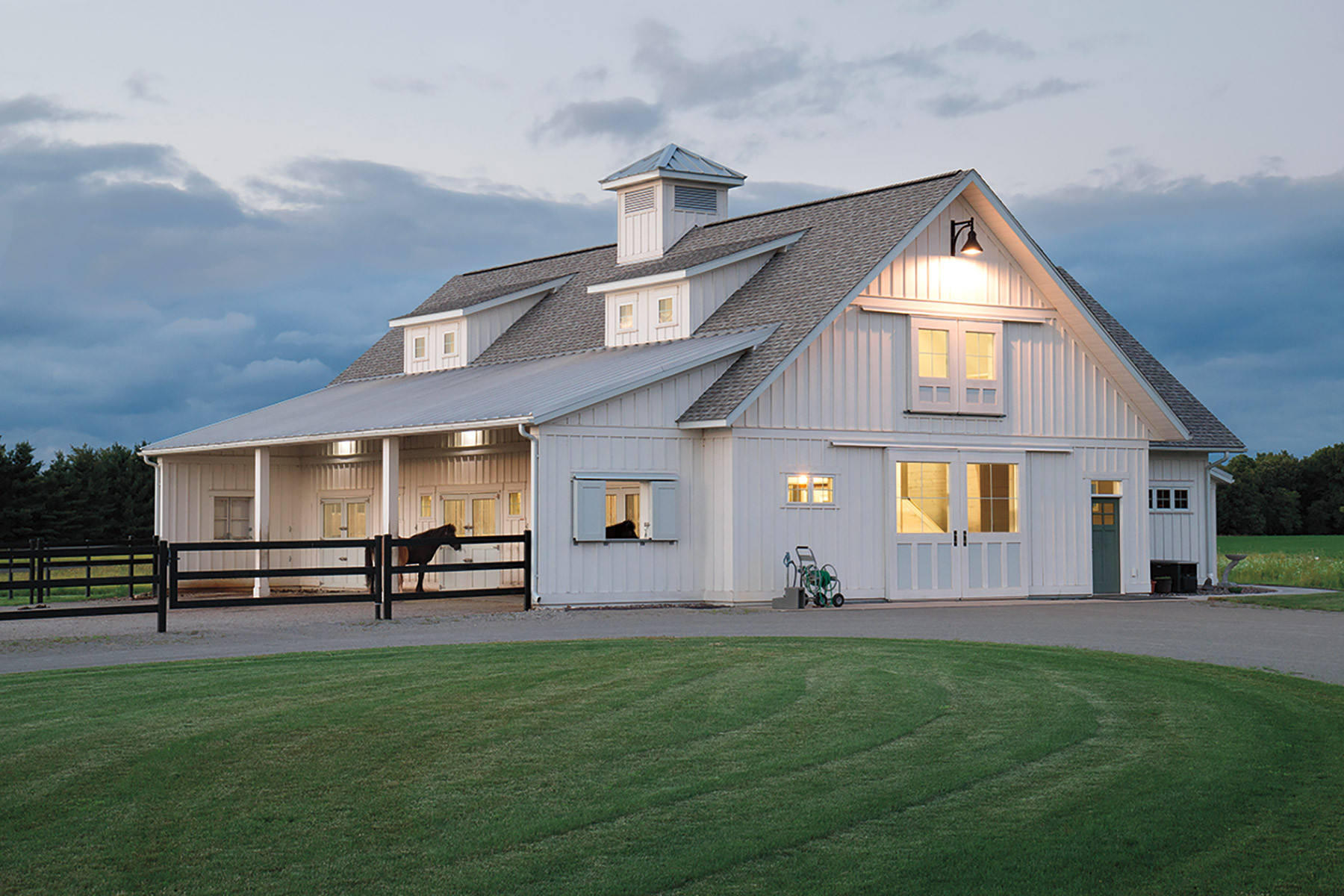 Equestrian Buildings | Metal, Post Frame Equestrian Barns