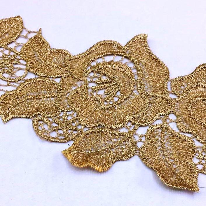 Bico de Renda Guipir Rosas Douradas