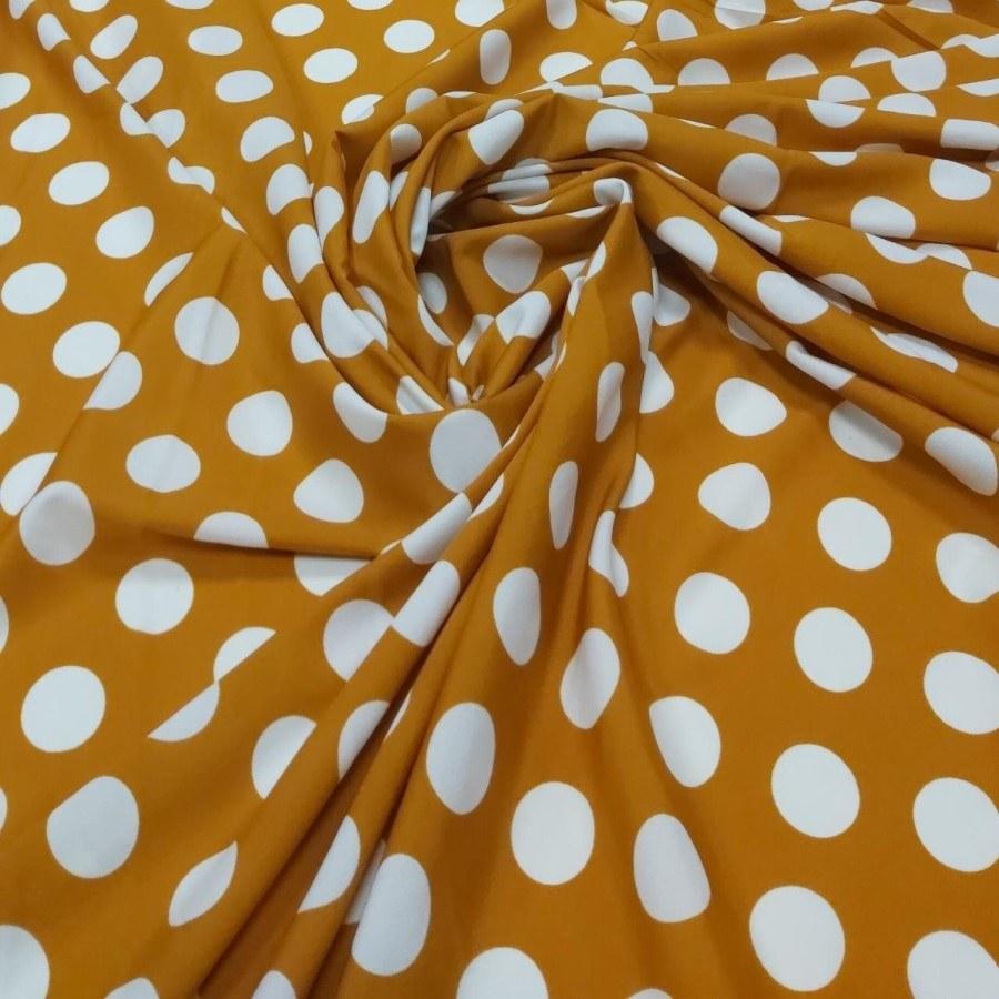 Tecido Crepe Aya Estampado Fundo Amarelo Mostarda Poá Bola Grande Branco