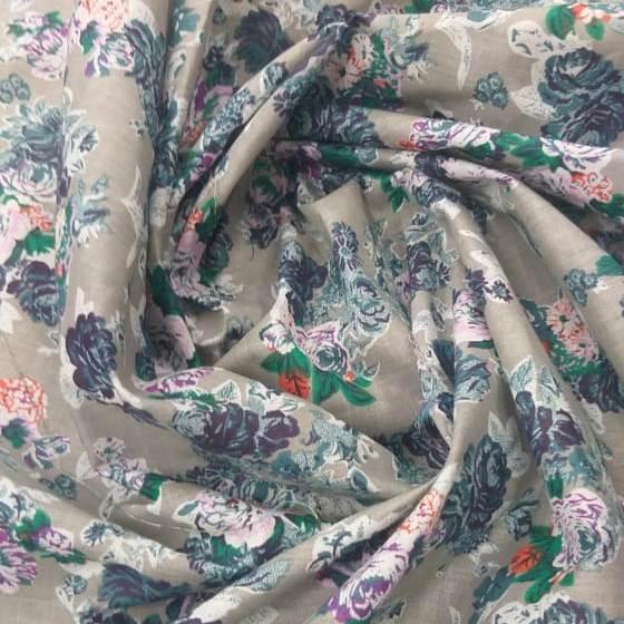 Tecido Cambraia de Algodão Floral Cinza com Lilás