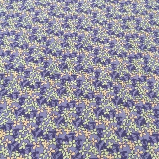 Tecido Cambraia de Algodão Floral Lilás