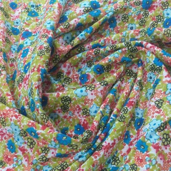 Tecido Cambraia de Algodão Flores Azuis