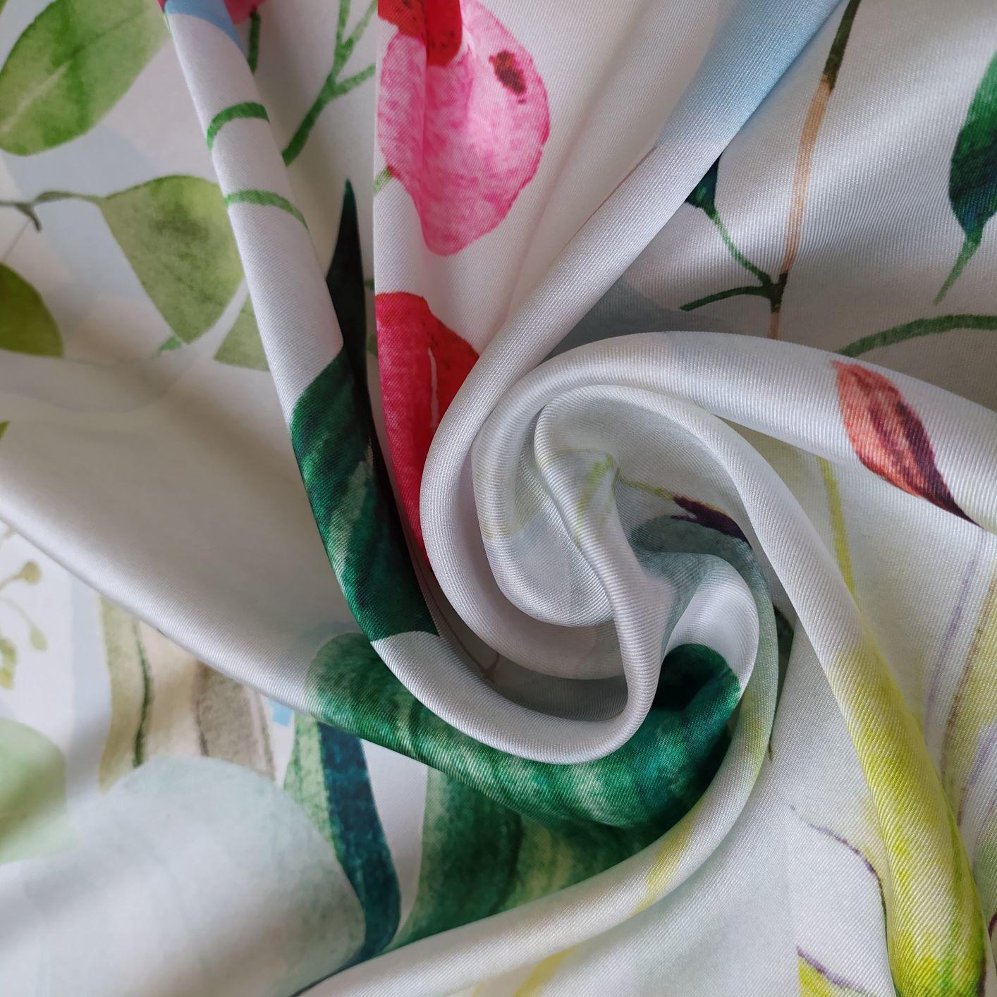 Tecido Cetim Toque de Seda Pareô Floral Aquarela