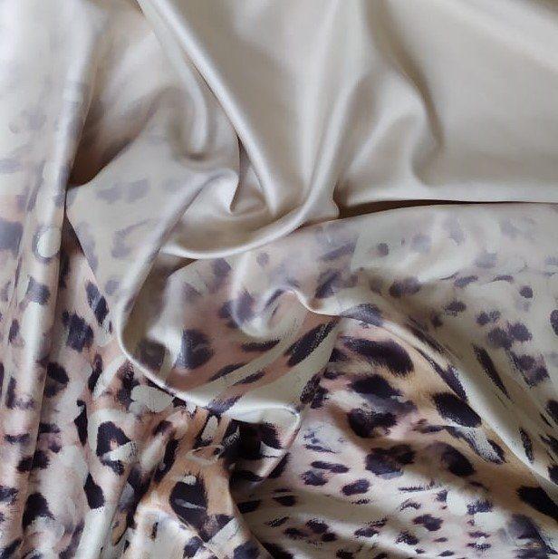Tecido Crepe Amanda Estampado Animal Print Barrado Degradê Fundo Areia