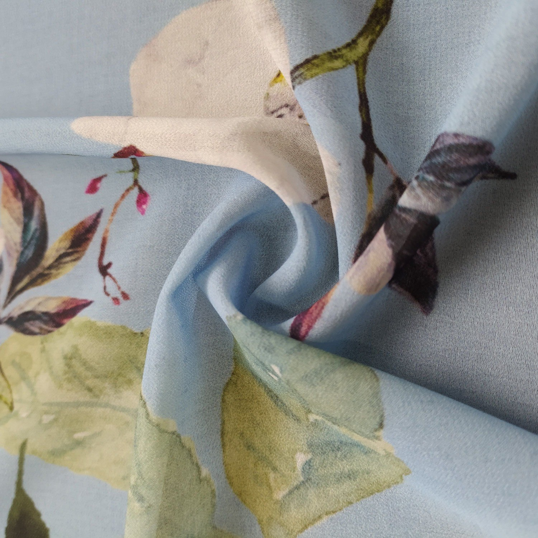 Tecido Crepe Georgette Floral Azul Serenity