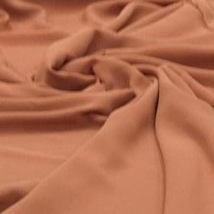 Tecido Crepe Georgette Toque de Seda Terracota Pantone 17-1342
