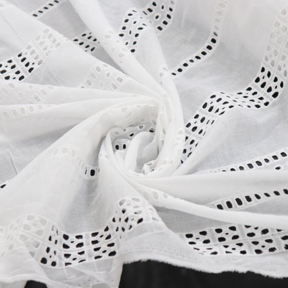 Tecido Laise Bordado Barras Branco