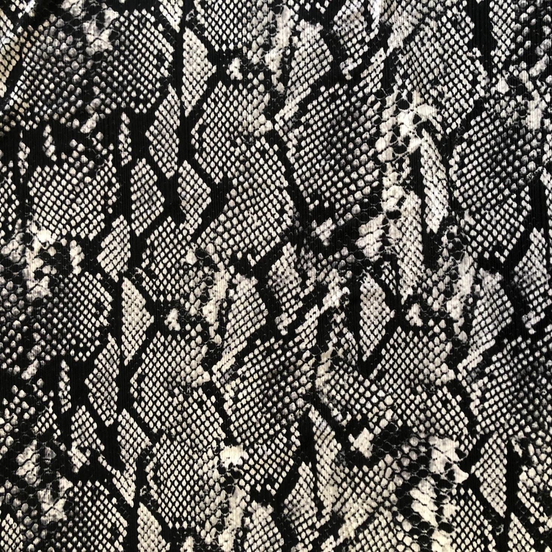 Tecido Malha Otoman Estampado Cobra Preta