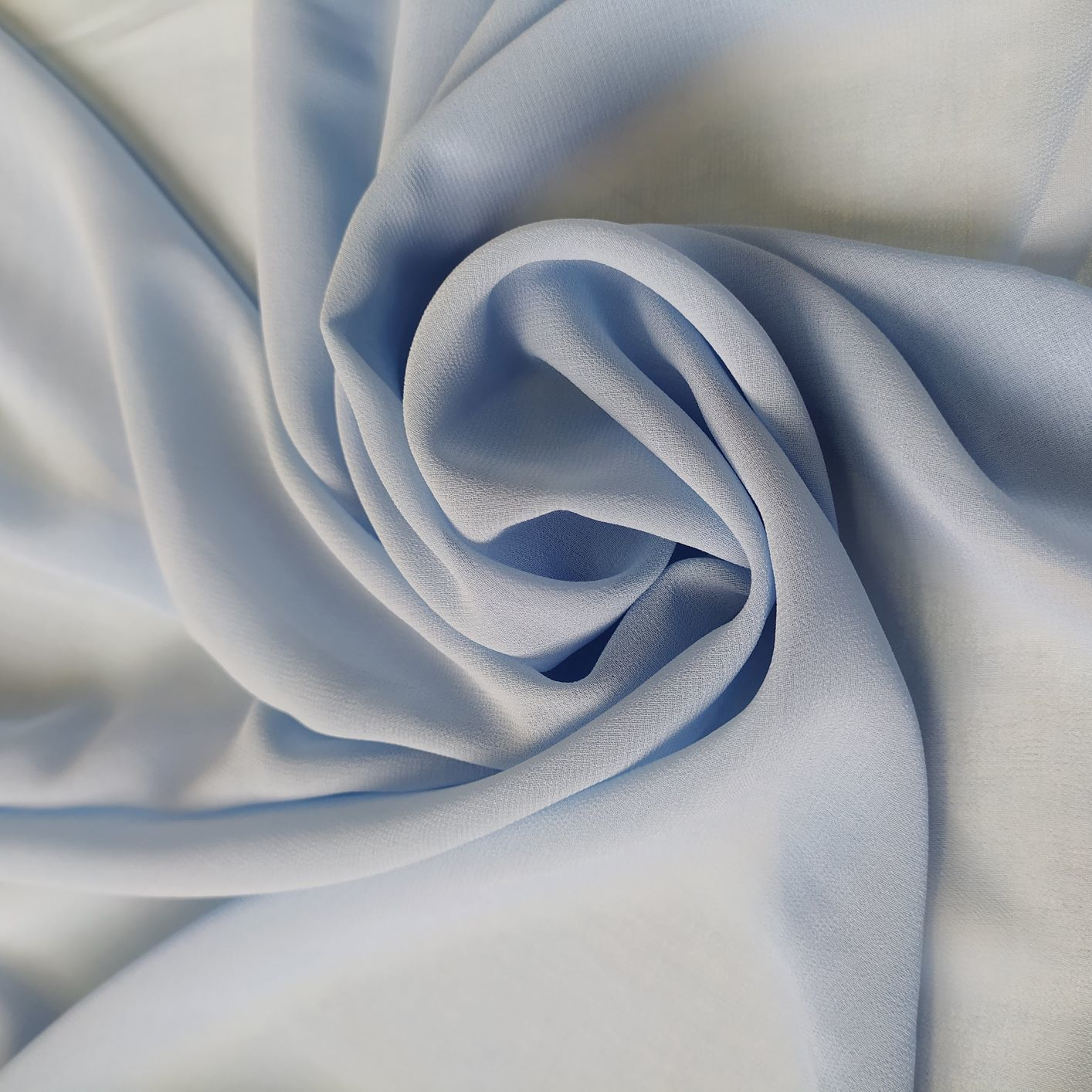 Tecido Musseline Creponada Azul Serenity