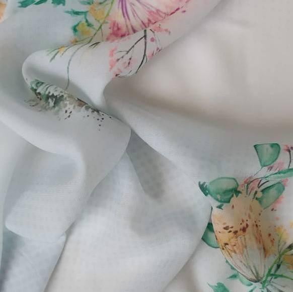 Tecido Musseline Toque de Seda Estampado Floral Aquarela Fundo Azul Bebê