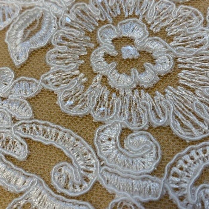 Tecido Renda Barrada Bordada Floral Com Paetê Branco