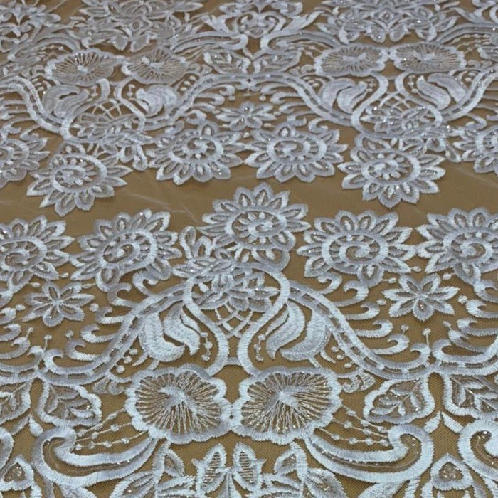 Tecido Renda Barrada Floral Triplo Bordada Com Paetê Off White