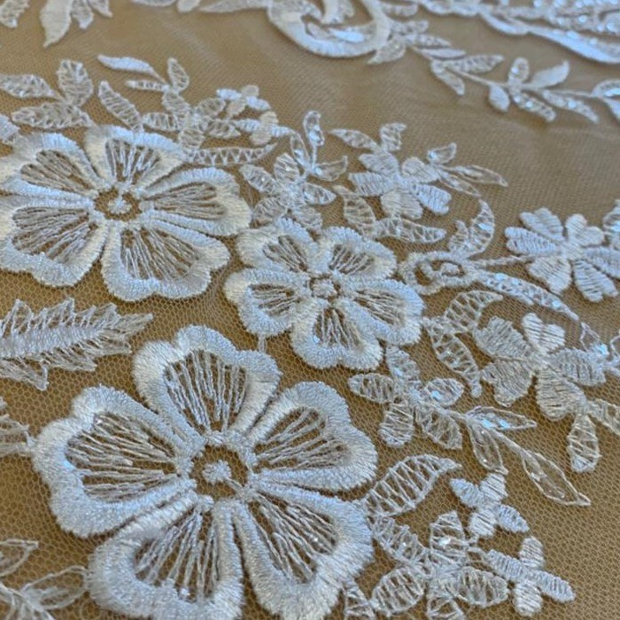 Tecido Renda Bordada Floral Com Paetê Branco