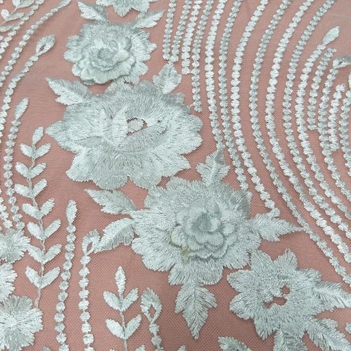 Tecido Tule Bordado 3D Floral Off White