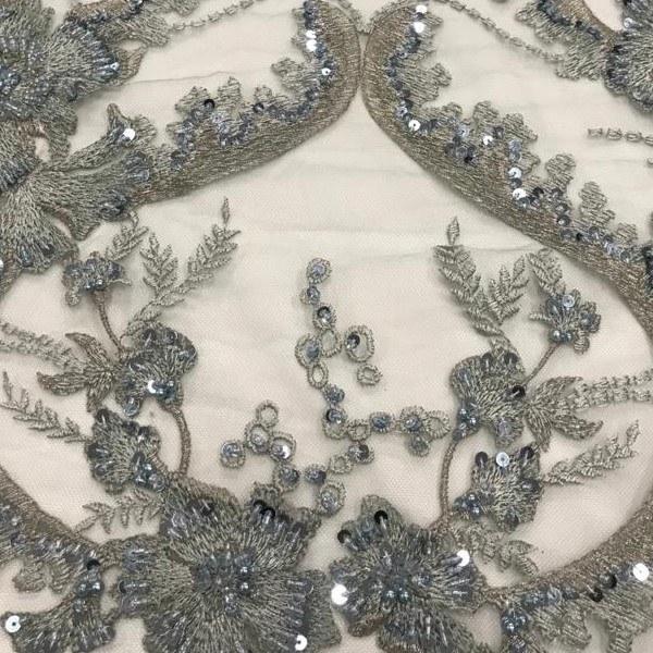 Tecido Tule Bordado Cinza Azulado Com Fio Metalizado Prata, Vidrilho, Paetê e Pérolas