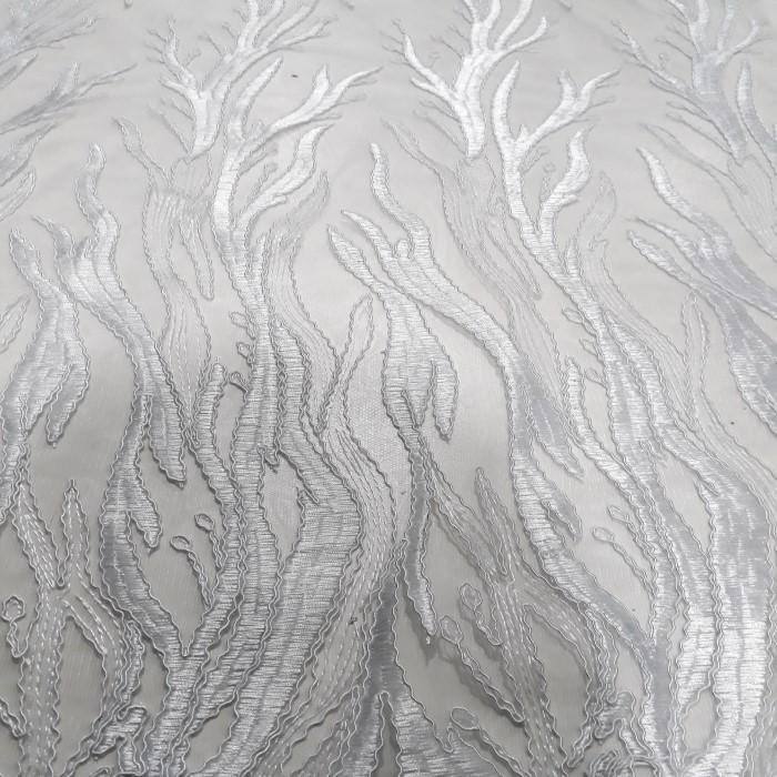Tecido  tule bordado com soutache branco