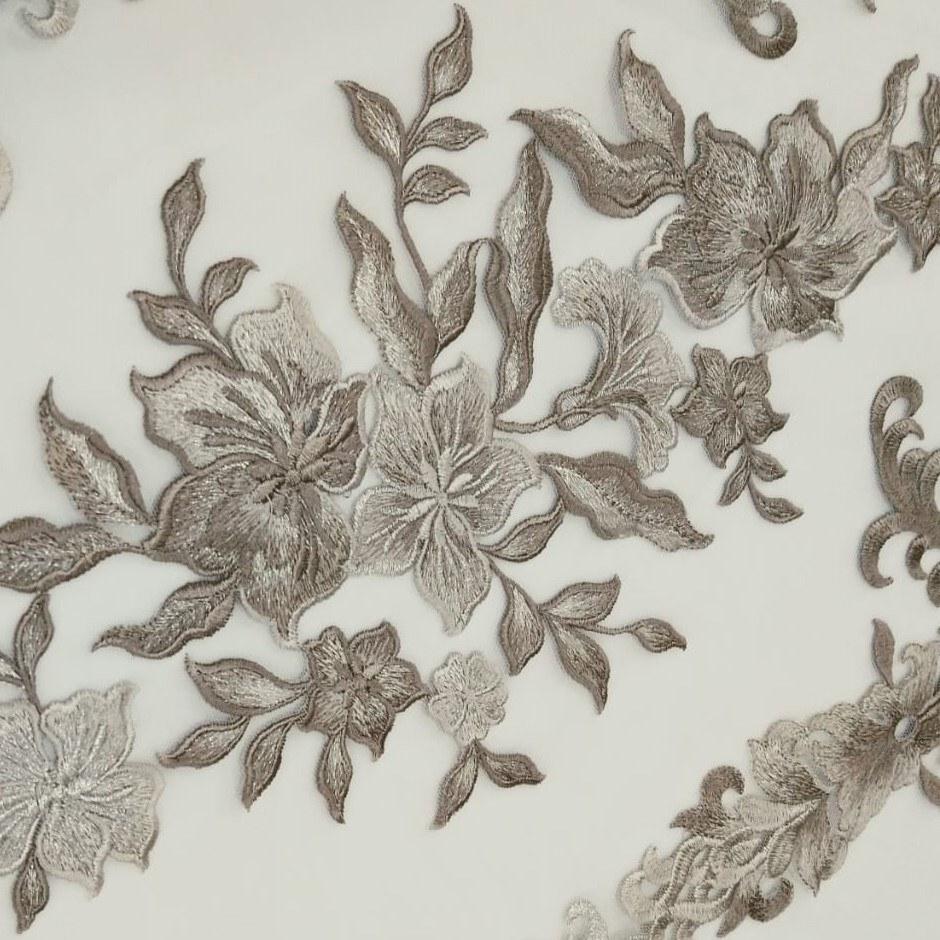 Tecido Tule Bordado Floral Arabesco Fendi